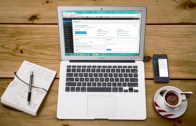 Mau Bikin Social Media Sendiri? Gunakan CMS Ini